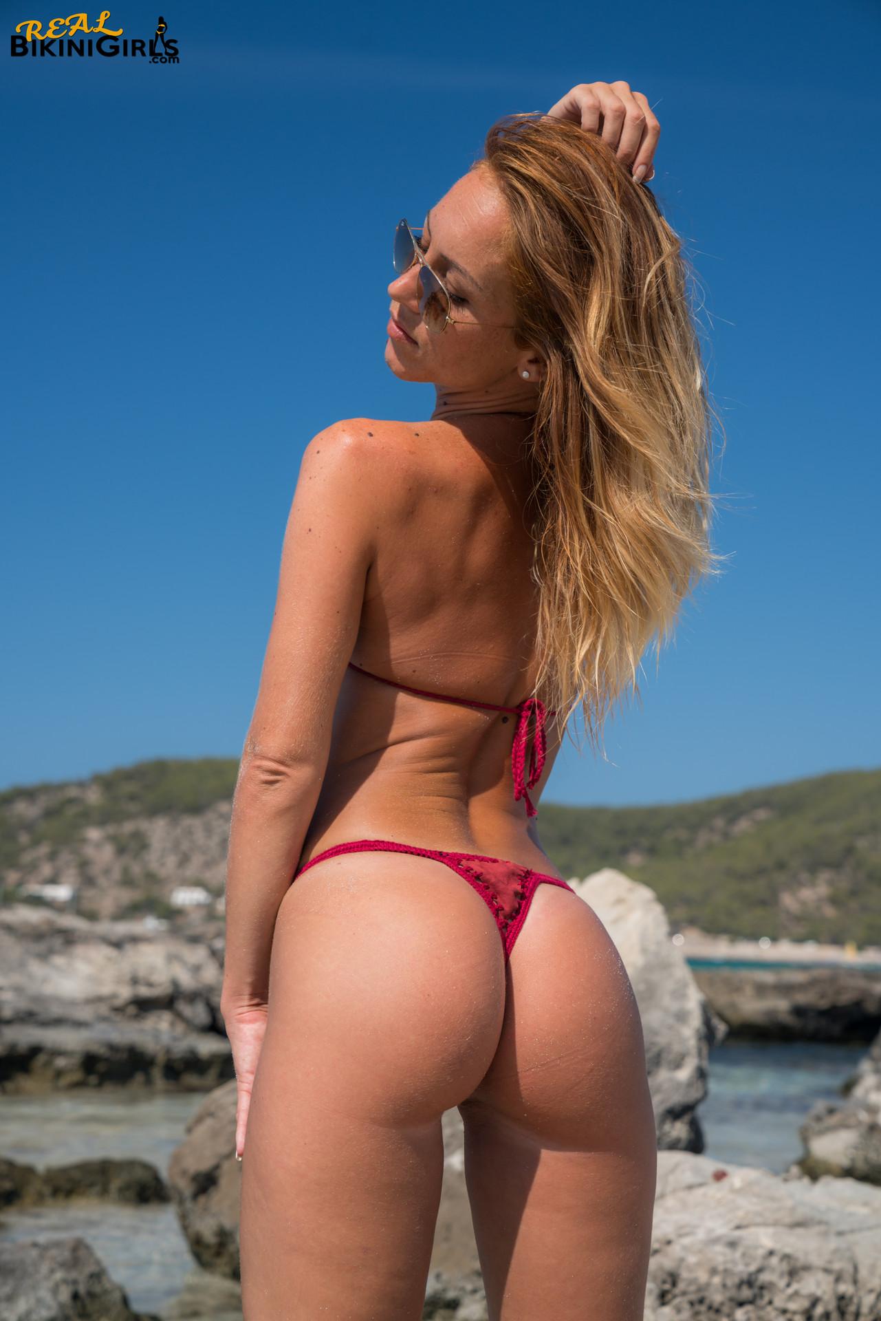 Sexy Snaps - Real Bikini Girls