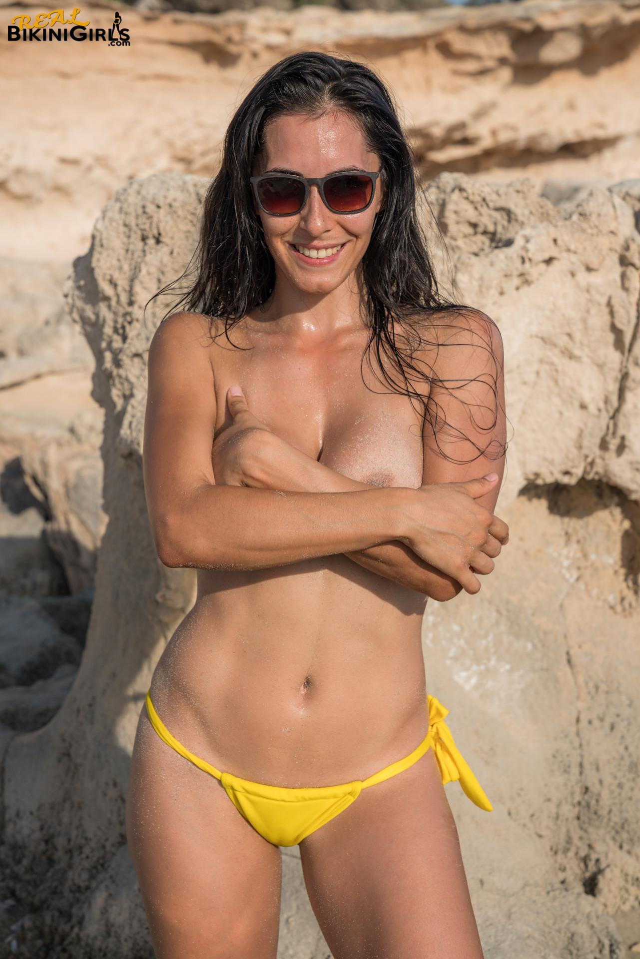 topless bikini girls